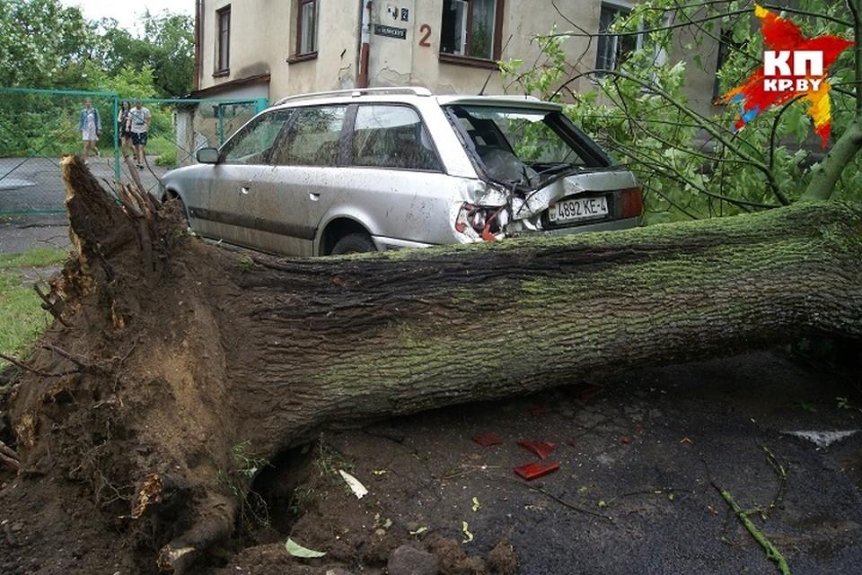 Город впал в зону формирования торнадо.