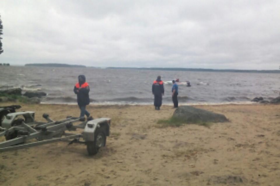 Спасательная операция на озере завершена Фото: ГУ МЧС по Карелии