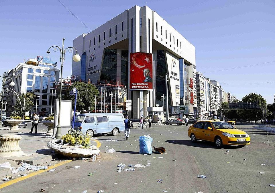 Российская семья во время несостоявшегося переворота оказался в турецком отеле.