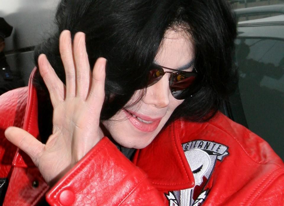 Певец Майкл Джексон в гамбургском аэропорту, 2009 год. Фото Kay Nietfeld/DPA/PHOTAS/TASS