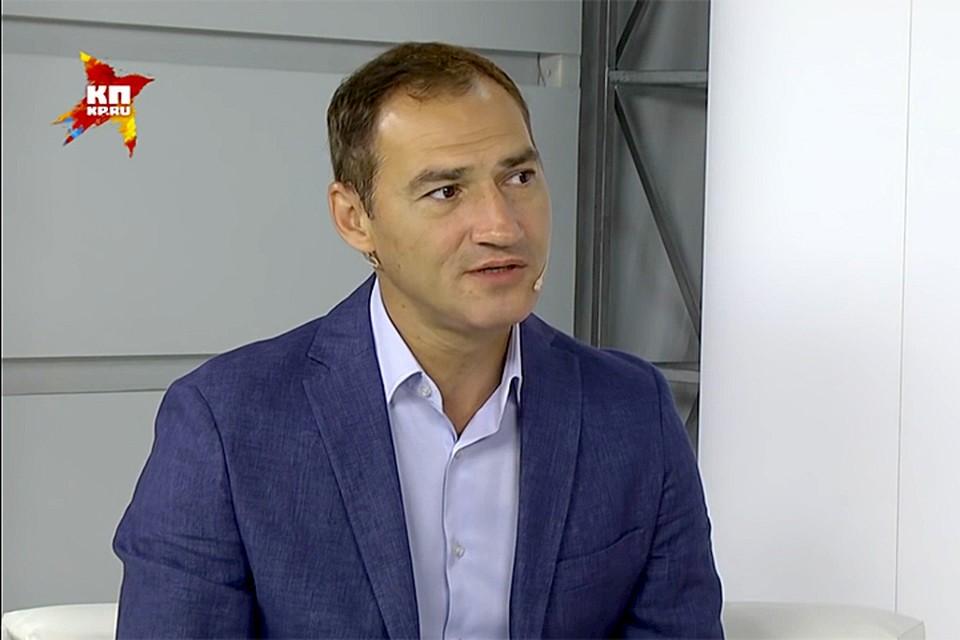 В гостях у Радио «Комсомольская правда» известный журналист Роман Бабаян, ведущий программы «Право голоса» на «ТВ Центр»