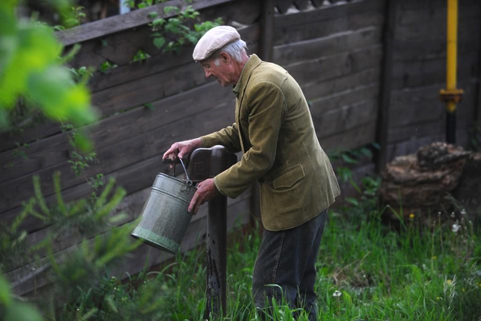 """Будут ли дачников штрафовать за отсутствие лицензий на колодцы, колонки и скважины, разбираемся в эфире Радио """"Комсомольская правда"""""""