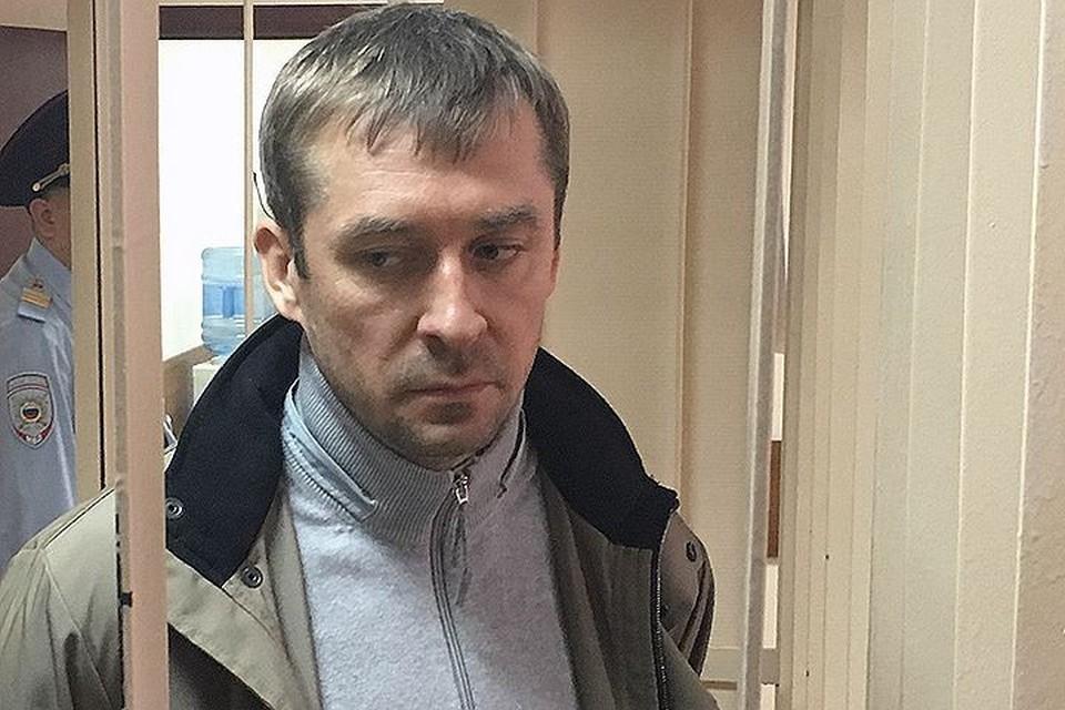 Дмитрий Захарченко сидит по обвинению в получении многомиллионных взяток
