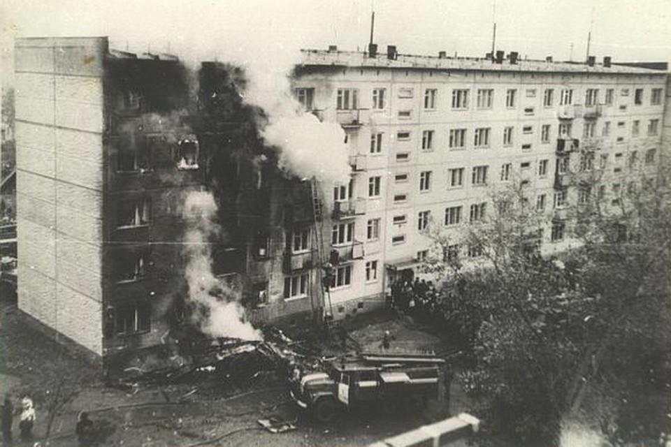 26 сентября 1976 года 24-летний пилот Владимир Серков протаранил на самолете Ан-2 жилой дом на улице Степной, 43/1.