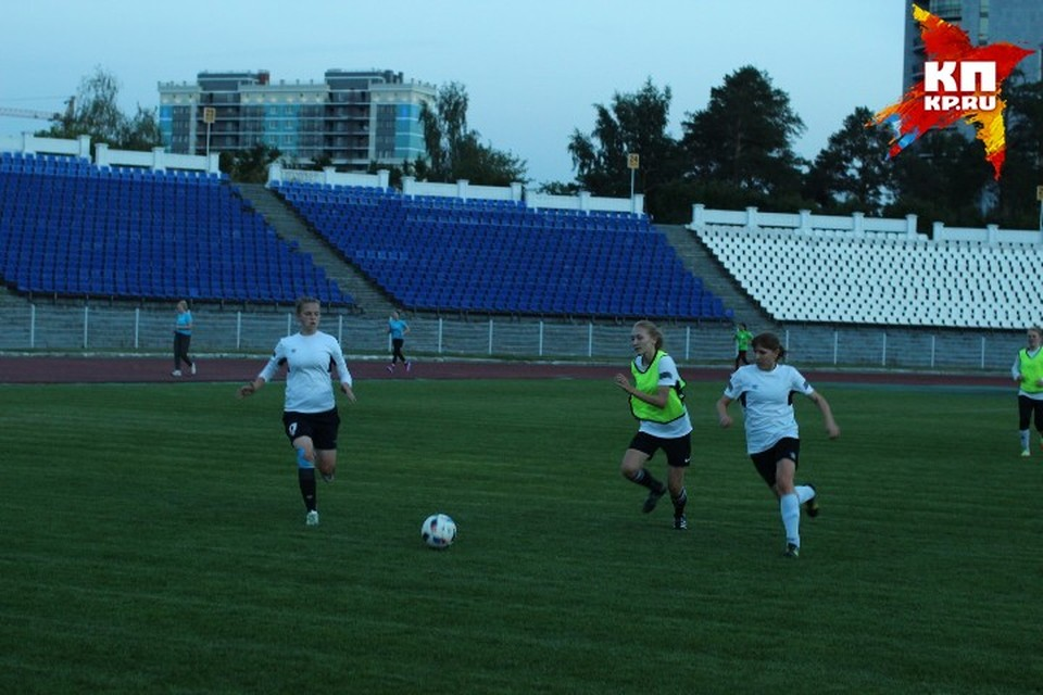 """Катя Панкратова отлично сочетает """"физику"""" и """"лирику"""": играет в футбол и сдает ЕГЭ на 100 баллов!"""