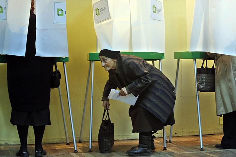 Таким образом за неделю до выборов сторонники «антиатлантических взглядов» составляют весомое большинство