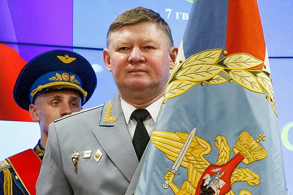 фото сердюков со звездой героя россии видео открытки поздравления