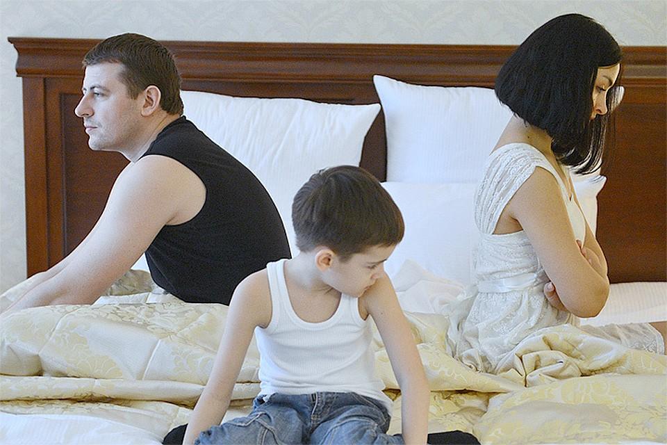 На празднике переспала с другом мужа на русском секс