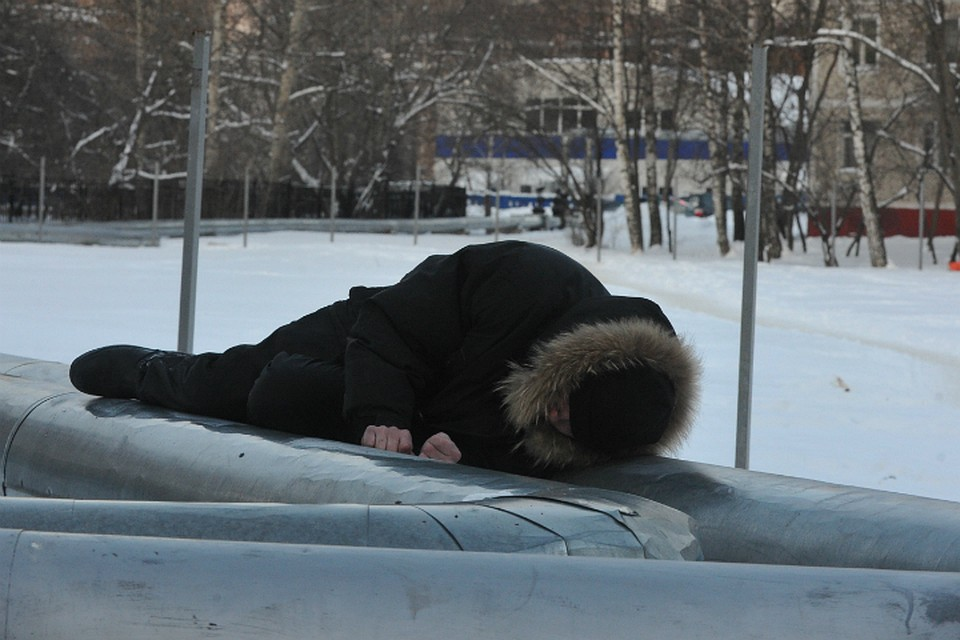 Жена даёт всем подряд на улице фото 301-560