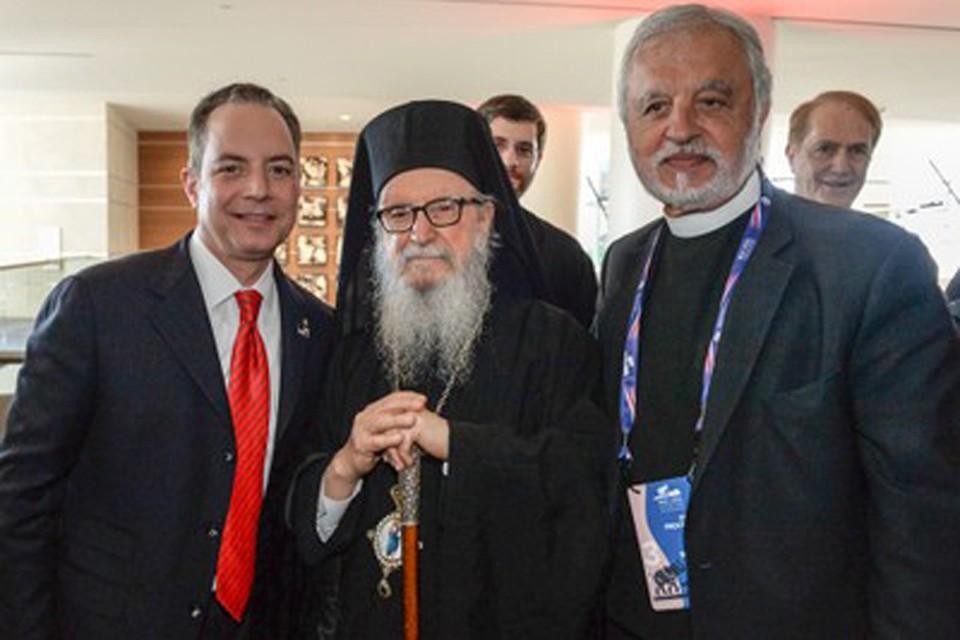 Райнс Прибус (слева) с Архиепископом Америки, Экзархом океанов Атлантического и Тихого Димитрием