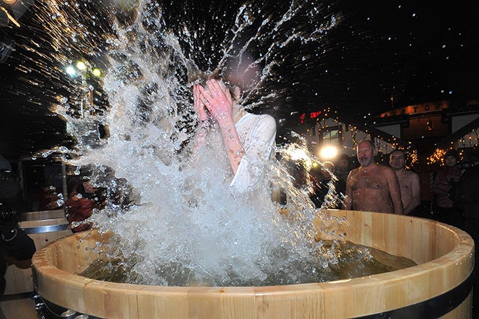 С 18.00 18 января и ориентировочно до 20.00 19 января будут проходить Крещенские купания