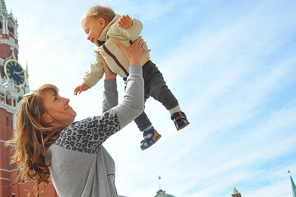 Единственное, в чем ваш ребенок по-настоящему нуждается, так это в ласковой и терпеливой маме, которая всегда рядом