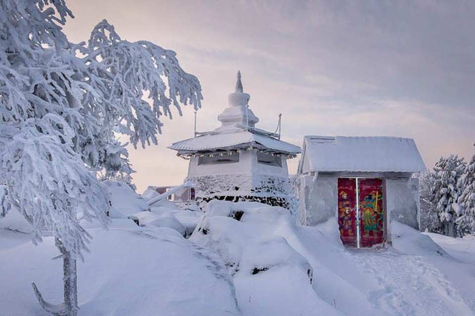 Монастырь построен на земле, где добывают руду Фото: Личный архив Михаила Санникова