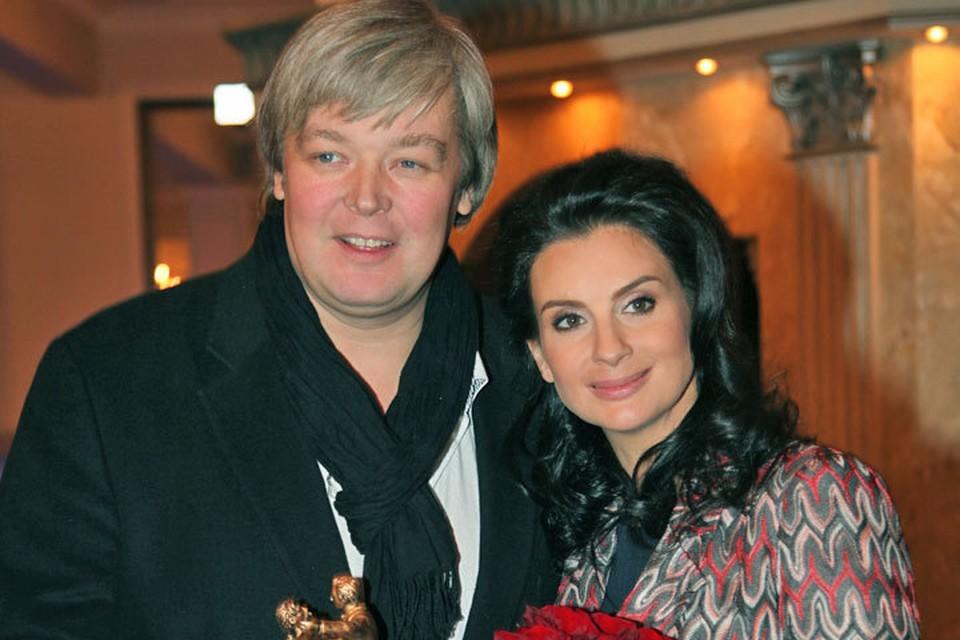 Александр и Екатерина Стриженовы сыграют в английской пьесе «Неугомонный дух».