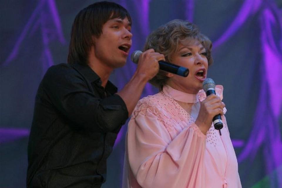 Внук унаследовал от бабушки любовь к музыке
