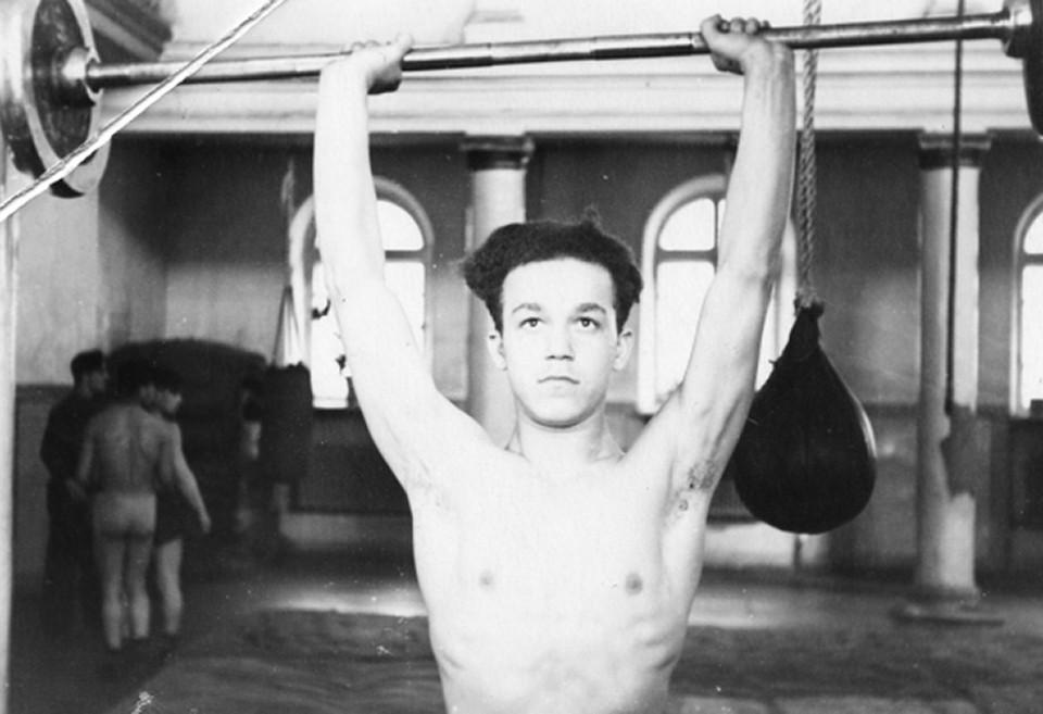 Иосиф Давыдович в молодости серьезно занимался спортом