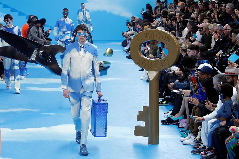 На Неделе моды в Париже прошел показ Louis Vuitton