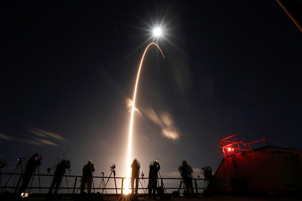 Ракета-носитель Atlas V успешно вывела на орбиту космический аппарат Solar Orbiter, который впервые в истории исследует полярные области солнца