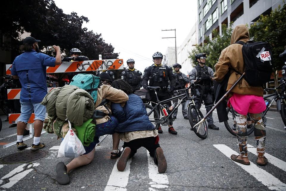 Полиция ликвидировала самопровозглашенную «автономную зону Капитолийского холма» в городе Сиэтл в американском штате Вашингтон