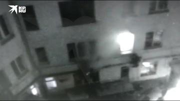Один человек погиб при пожаре в доме на Дубровской улице в Москве