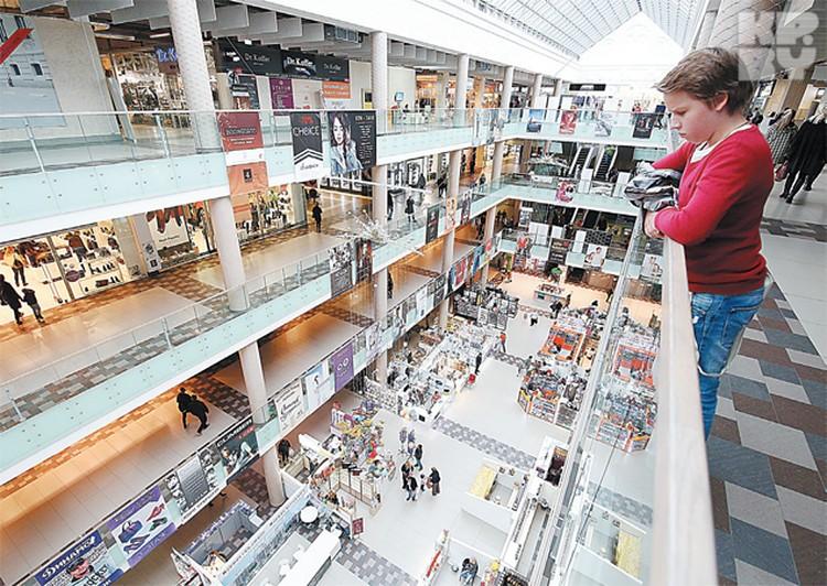 «Корона - Замок» - торговый центр нового уровня: c кинотеатрами, катком и концертной площадкой.