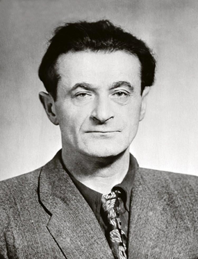 Михаил Светлов.