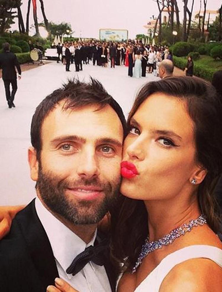 Алессандра с мужем, миллионером Джейми Мазуром. Фото: Instagram.