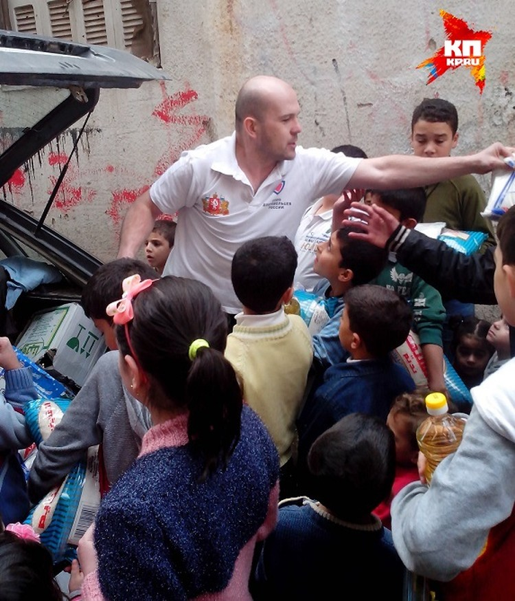 """""""Дети бродят по улицам и не знают куда спрятаться"""", - с горечью говорит доброволец Фото: Личный архив"""