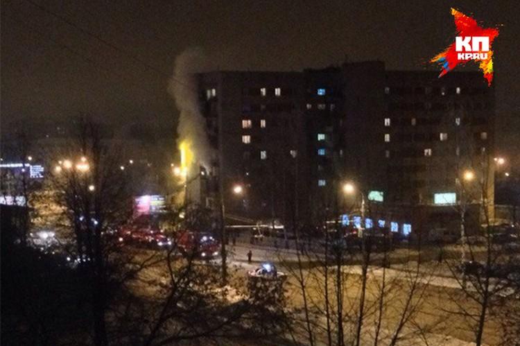 В доме на Ворошилова горела квартира на пятом этаже