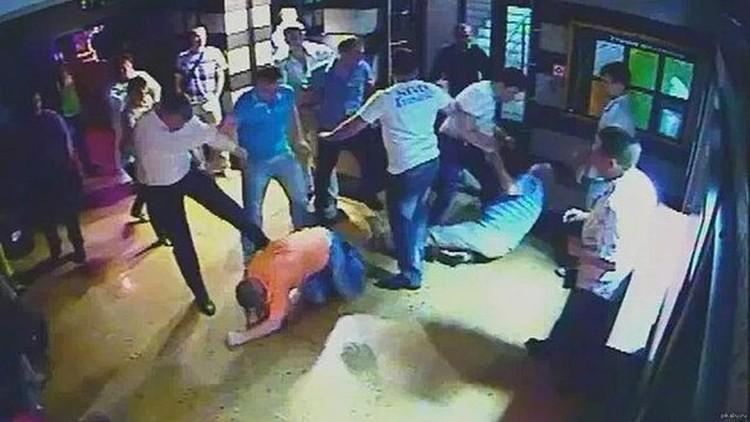 Многие порталы снабдили новость о драке фотографией потасовки в Хакасии трехлетней давности.