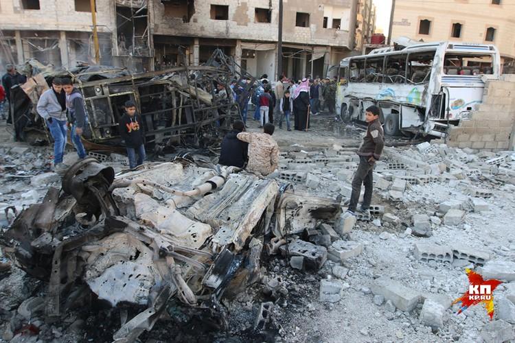 Район, где произошли взрывы, находится возле трассы идущей в главный аэропорт страны