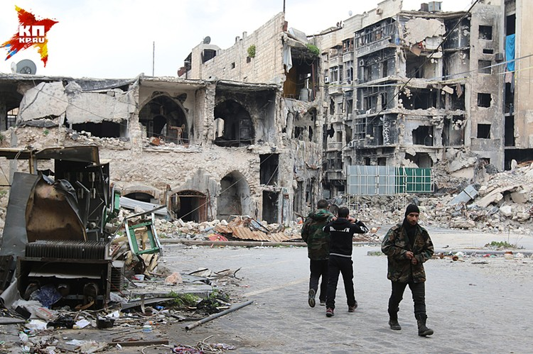 В Старом городе, пережившем за много веков с десяток войн, не осталось практически ни одного целого строения