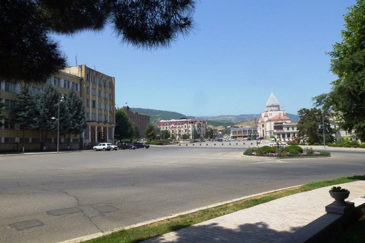 Столица и крупнейший город непризнанной Республики Нагорный Карабах Степанакерт