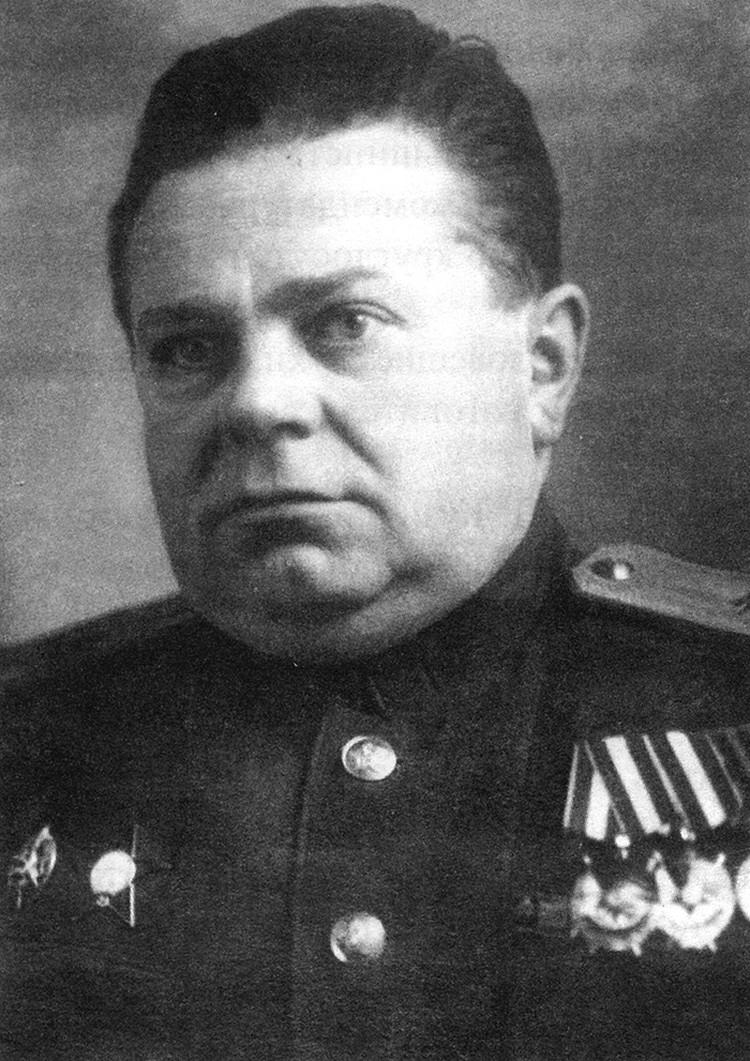Александр Петрович Кузнецов командовал 17-м Краснознамённым Брестским погранотрядом с марта 1939 по декабрь 1941 года
