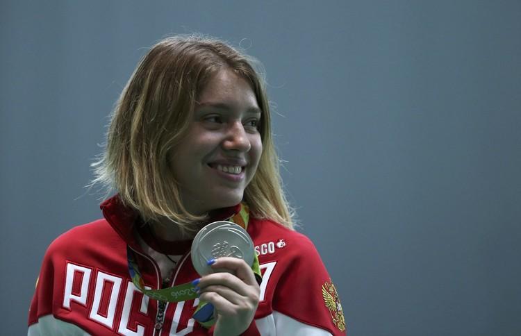 """19-летняя Виталина Бацарашкина выиграла """"серебро"""" в стрельбе из пистолета с расстояния 10 метров."""