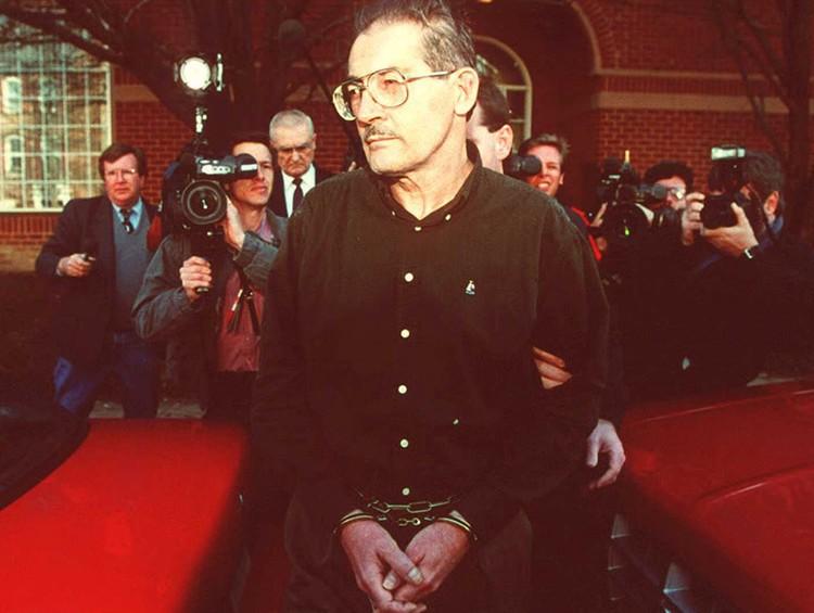 Олдрич Эймс, начальник советского отдела ЦРУ. Он работал на Москву почти 10 лет вплоть до провала в 1994 году