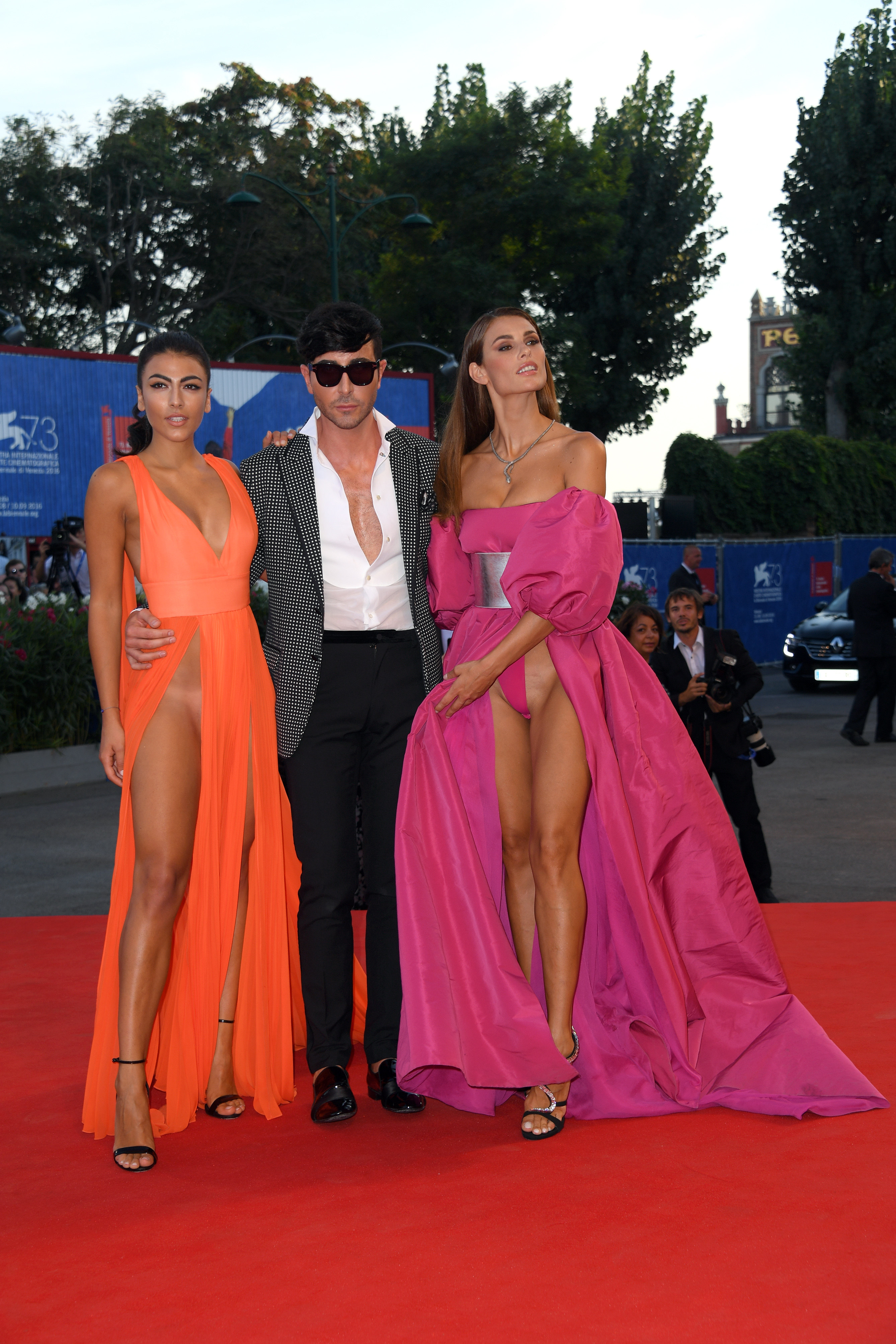 скандал на венецианском фестивале фото