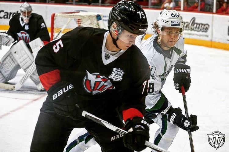 Яковенко - потомственный хоккеист. Фото: из личного архива хоккеиста.