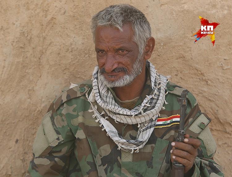Боец иракского ополчения.
