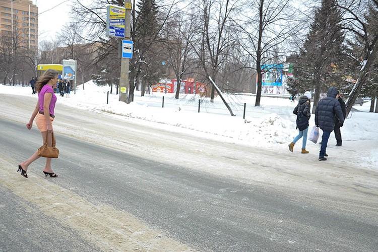 """По мнению тольяттинской """"снегурочки"""", любой мороз не страшен, если тепло на душе."""