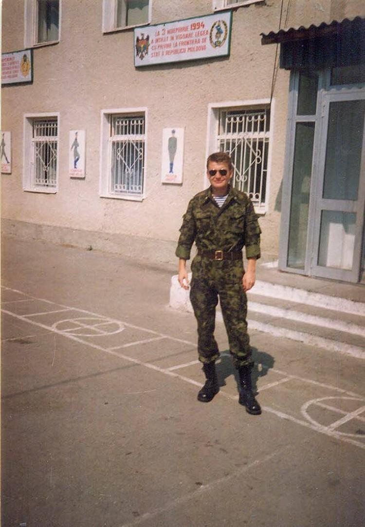 Лейтенант Рябков только-только звездочки получил