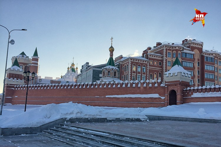 Резиденция губернатора Маркелова в центре города.