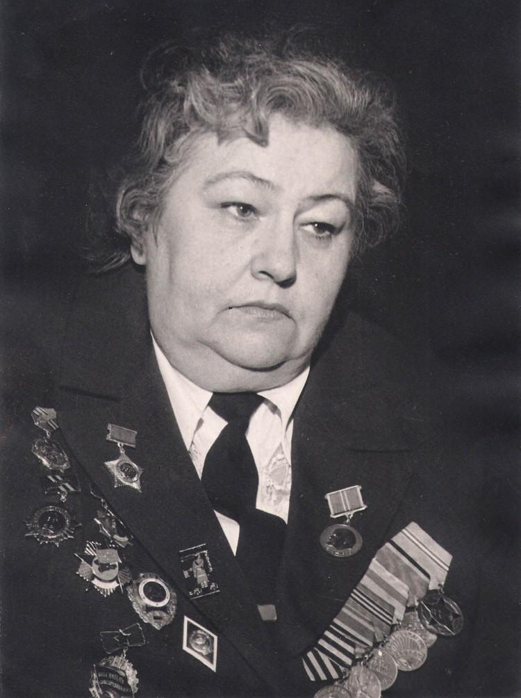 Студенты филфака пронесут портрет Лидии Овчаренко в Бессмертном полку. Фото: Личный архив семьи Овчаренко.