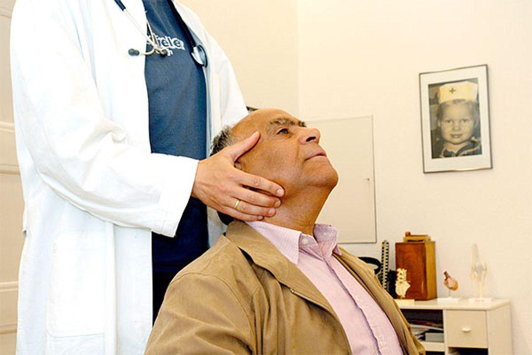 Важно, чтобы такой человек своевременно посещал врача-психиатра.