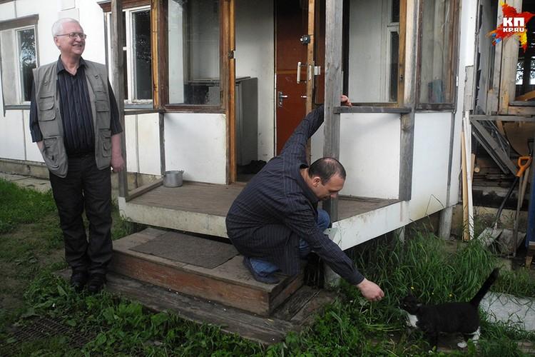 Психолог Евгений Проценко (слева) и реабилитант Роман