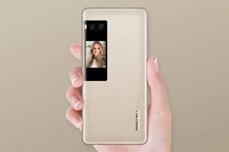 Дополнительный дисплей может просто показывать красивые картинки, придавая аппарату индивидуальность