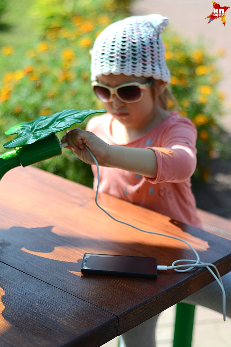 Установкой пользоваться проще простого - разберется даже ребенок! Фото: Александр КОВГАНКО.