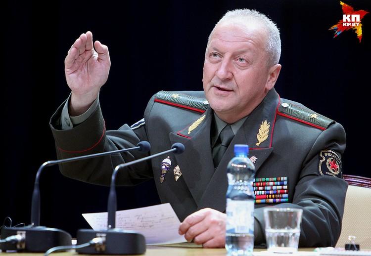 Руководить учениями с белорусской стороны будет первый замминистра обороны Беларуси Олег Белоконев.