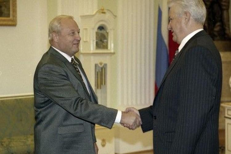 Эдуард Россель продвигал перед Борисом Ельциным прямые выборы губернатора