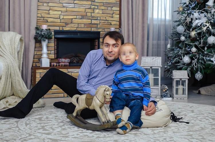 Чтобы увидеть, как вырастет сын, Хомяков готов рискнуть и пойти на опасную операцию. Фото: личный архив Николая Хомякова